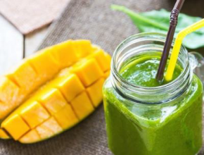 Coconut, Spinach & Mango Lift